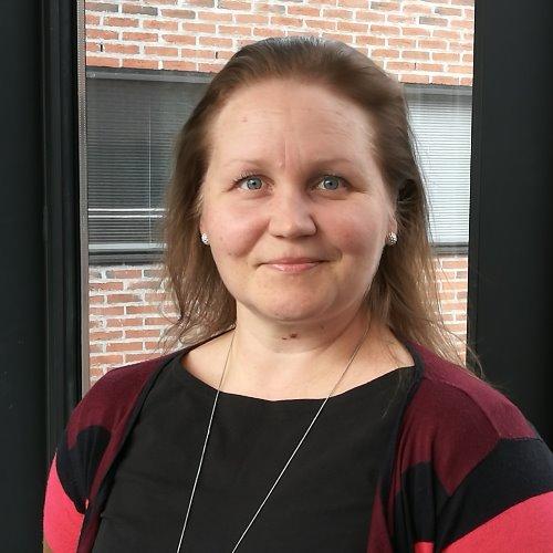 1. Carousel image of person  Mia Kilpeläinen (mia.kilpelainen@uef.fi)