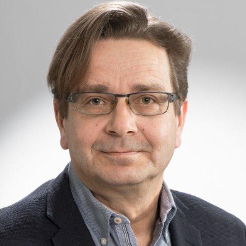 1. Carousel image of person  Petri Hynynen (petri.hynynen@uef.fi)