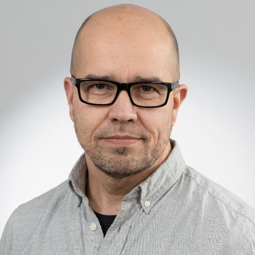 1. Carousel image of person  Mika Reinisalo (mika.reinisalo@uef.fi)
