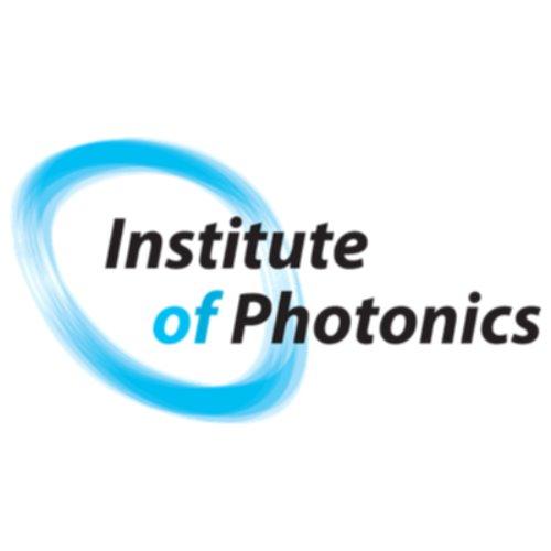 1. kuva tutkimusryhmästä Fotoniikan instituutti