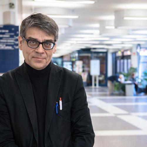 1. Carousel image of person  Timo Toikko (timo.toikko@uef.fi)